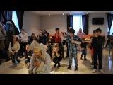 Новогодний танец со снегуркой в Джуманджи 2